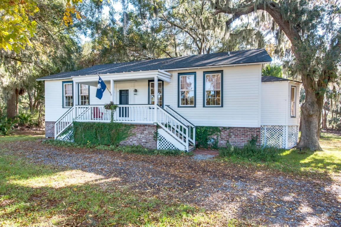 70 White House Lane, Bluffton, South Carolina 29910, 3 Bedrooms Bedrooms, ,2 BathroomsBathrooms,Single Family Home,Rental Listings,White House Lane,1028